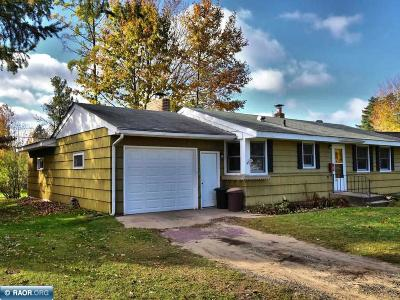 Grand Rapids Single Family Home Seller Taking B/Up Offers: 821 Willow Ln