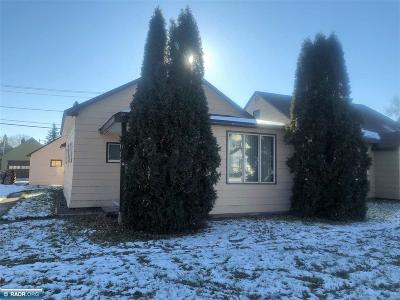 Koochiching County Single Family Home For Sale: 909 Tenth Street
