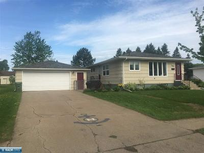 Hibbing, Chisholm Single Family Home For Sale: 3403 2nd Ave. E.