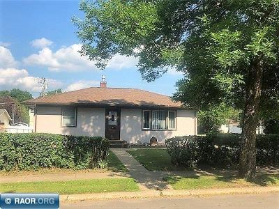Hibbing, Chisholm Single Family Home Seller Taking B/Up Offers: 3018 W 2nd Ave