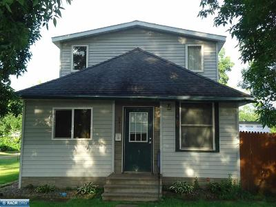 Hibbing, Chisholm Single Family Home For Sale: 2910 E 4th Ave.