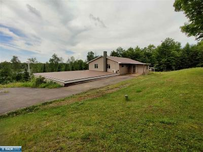 Itasca County Single Family Home For Sale: 16694 W Bay Dr
