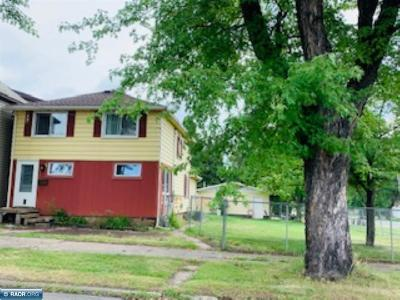 Hibbing, Chisholm Single Family Home For Sale: 304 Mitchell Ave
