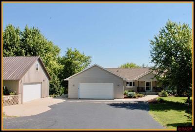 Good Thunder MN Single Family Home For Sale: $450,000