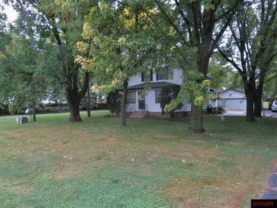 Mankato MN Single Family Home Contngnt-Home Inspection: $212,900