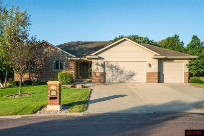 Mankato MN Single Family Home For Sale: $459,900