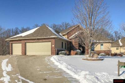 Blue Earth County, Le Sueur County, Rice County, Steele County, Waseca County Single Family Home For Sale: 112 Creekside Drive