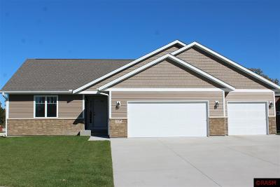 Blue Earth County, Le Sueur County, Rice County, Steele County, Waseca County Single Family Home For Sale: 105 Crystal Court