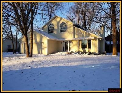 North Mankato MN Single Family Home Contngnt-Home Inspection: $124,900