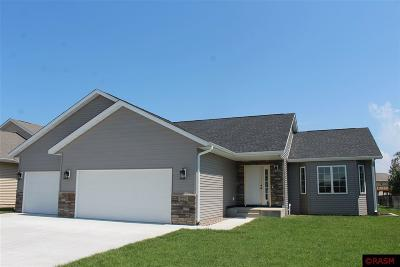 Blue Earth County, Le Sueur County, Rice County, Steele County, Waseca County Single Family Home For Sale: 221 Muriefield Drive