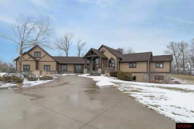 Blue Earth County, Le Sueur County, Rice County, Steele County, Waseca County Single Family Home For Sale: 23070 506th Lane