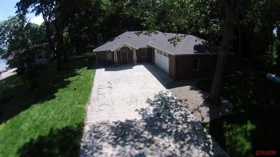 Blue Earth County, Le Sueur County, Rice County, Steele County, Waseca County Single Family Home For Sale: 22501 Lakeview Road