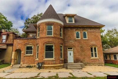 Blue Earth County, Le Sueur County, Rice County, Steele County, Waseca County Multi Family Home For Sale: 810 S Broad Street