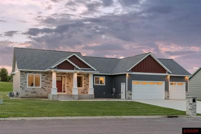 Blue Earth County, Le Sueur County, Rice County, Steele County, Waseca County Single Family Home For Sale: 112 South Brook Way