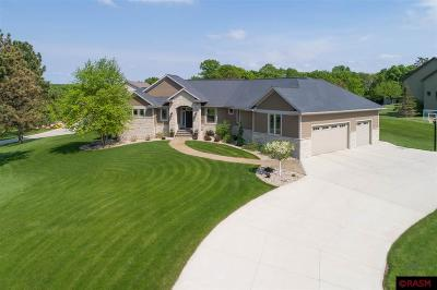 Blue Earth County, Le Sueur County, Rice County, Steele County, Waseca County Single Family Home For Sale: 21 Trail Drive