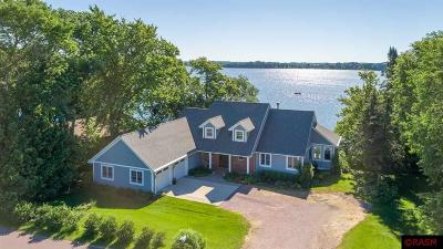 Blue Earth County, Le Sueur County, Rice County, Steele County, Waseca County Single Family Home For Sale: 3740 Sioux Lane