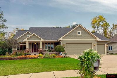 Blue Earth County, Le Sueur County, Rice County, Steele County, Waseca County Single Family Home For Sale: 224 South Brook Circle