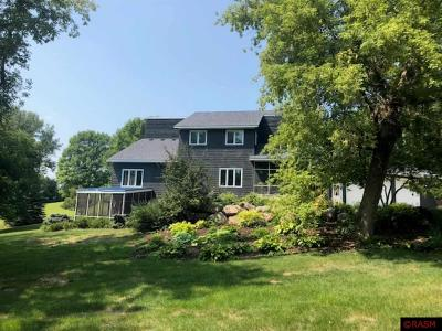 Blue Earth County, Le Sueur County, Rice County, Steele County, Waseca County Single Family Home For Sale: 40562 River Bluff Lane