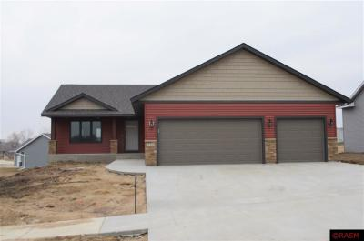 Blue Earth County, Le Sueur County, Rice County, Steele County, Waseca County Single Family Home For Sale: 720 Maple Lane