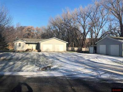 Blue Earth County, Le Sueur County, Rice County, Steele County, Waseca County Single Family Home For Sale: 105 Limestone Lane