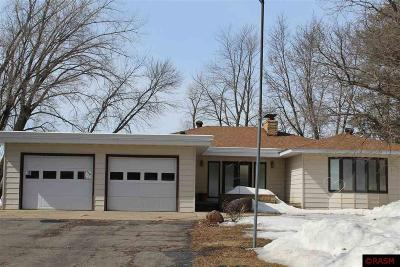 Blue Earth County, Le Sueur County, Rice County, Steele County, Waseca County Single Family Home For Sale: 3211 403rd Avenue