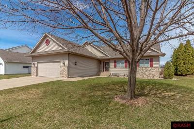 Blue Earth County, Le Sueur County, Rice County, Steele County, Waseca County Single Family Home For Sale: 104 Thissen Court