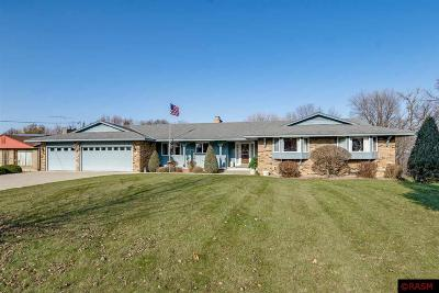 Blue Earth County, Le Sueur County, Rice County, Steele County, Waseca County Single Family Home Contngnt-Property Sale: 56 Skyline Drive