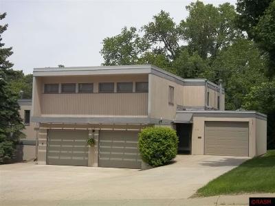 Blue Earth County, Le Sueur County, Rice County, Steele County, Waseca County Multi Family Home For Sale: 112 Cedar Street