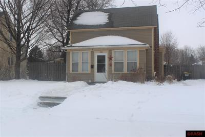 St. Peter MN Single Family Home For Sale: $129,900