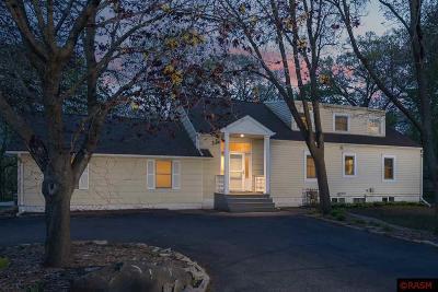 Mankato MN Single Family Home For Sale: $315,000