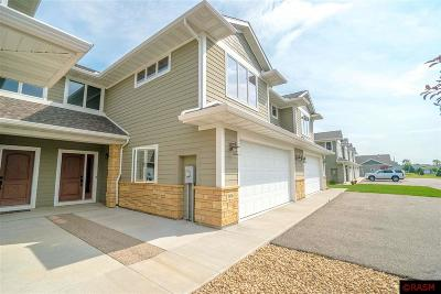 Blue Earth County, Le Sueur County, Rice County, Steele County, Waseca County Condo/Townhouse For Sale: 808 Pinnacle Path