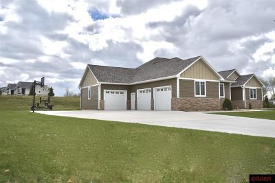 Blue Earth County, Le Sueur County, Rice County, Steele County, Waseca County Single Family Home For Sale: 212 Oak Marsh Drive