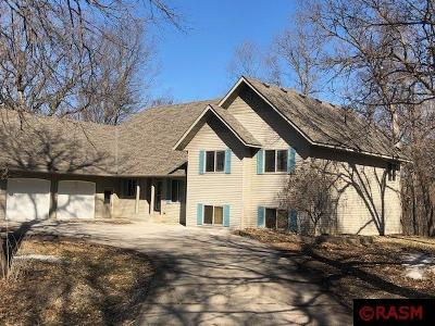 Blue Earth County, Le Sueur County, Rice County, Steele County, Waseca County Single Family Home For Sale: 1057 Maple Drive