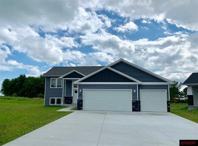 Lake Crystal Single Family Home Contngnt-Property Sale: 512 Graphton Court