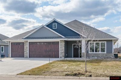 Blue Earth County, Le Sueur County, Rice County, Steele County, Waseca County Condo/Townhouse For Sale: 305 Dancing Waters Circle