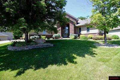 Blue Earth County, Le Sueur County, Rice County, Steele County, Waseca County Single Family Home Contngnt-Property Sale: 112 Creekside Drive