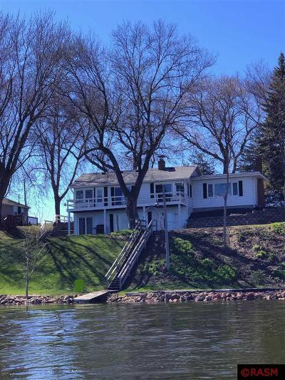 Blue Earth County, Le Sueur County, Rice County, Steele County, Waseca County Single Family Home For Sale: 3752 Sioux Lane