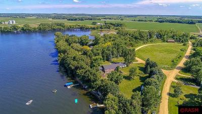 Blue Earth County, Le Sueur County, Rice County, Steele County, Waseca County Single Family Home For Sale: 46743 Melanie Drive