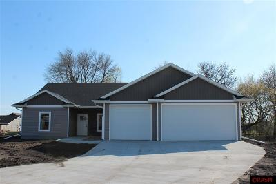 Blue Earth County, Le Sueur County, Rice County, Steele County, Waseca County Condo/Townhouse For Sale: 244 Foxfire Drive