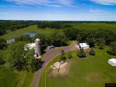Blue Earth County, Le Sueur County, Rice County, Steele County, Waseca County Single Family Home For Sale: 59598 153rd Street