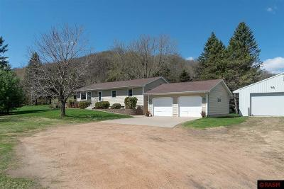 Le Sueur Single Family Home For Sale: 34980 Us Hwy 169