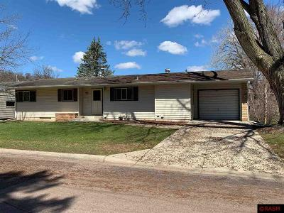 Nicollet County Single Family Home For Sale: 606 Lakeview