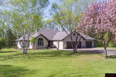 Blue Earth County, Le Sueur County, Rice County, Steele County, Waseca County Single Family Home For Sale: 56309 Doc Jones Road