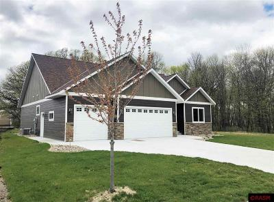 Blue Earth County, Le Sueur County, Rice County, Steele County, Waseca County Single Family Home For Sale: 312 Oak Marsh Drive