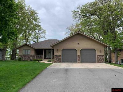Lake Crystal MN Single Family Home Contngnt-Home Inspection: $375,000