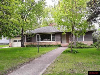 St. Peter MN Single Family Home For Sale: $188,000