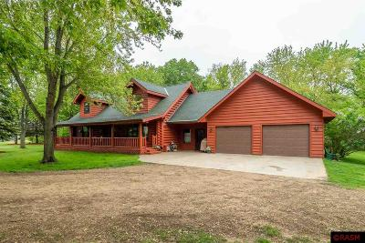 Blue Earth County, Le Sueur County, Rice County, Steele County, Waseca County Single Family Home For Sale: 18192 568th Avenue