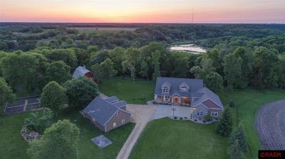 Blue Earth County, Le Sueur County, Rice County, Steele County, Waseca County Single Family Home For Sale: 19782 565th Avenue
