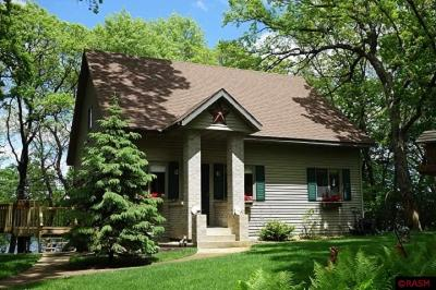 Blue Earth County, Le Sueur County, Rice County, Steele County, Waseca County Single Family Home For Sale: 43105 79th Street