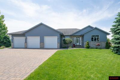 Le Sueur Single Family Home For Sale: 116 Culps Hill